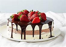 4 απίθανες συνταγές για τούρτα παγωτό