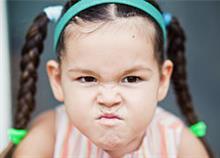 Επιθετικότητα στο νήπιο: Συμβουλές για να σταματήσει να χτυπά και να δαγκώνει