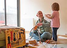 Πώς μπορεί ο μπαμπάς να βοηθά με τις δουλειές του σπιτιού;