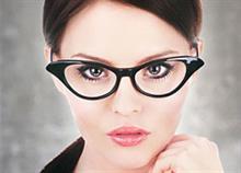 5 σημάδια που δείχνουν ότι χρειάζεστε γυαλιά de86fb2de77