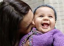 Εσύ με έκανες μητέρα: Όλη η αλήθεια της μητρότητας σε ένα υπέροχο βίντεο
