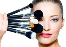 To κατάλληλο μακιγιάζ για κάθε δεκαετία της γυναίκας