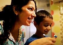 Πόσο εύκολα ετοιμάζετε το παιδί για το σχολείο; Το τρυφερό αυτό video δίνει τη λύση!