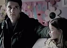 Η αδερφική αγάπη είναι φάρμακο: Δείτε το συγκινητικό βίντεο!