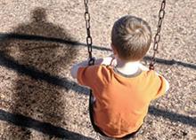 Πώς θα προφυλάξετε τα παιδιά από παιδόφιλους: Αναγνωρίστε τα χαρακτηριστικά τους!