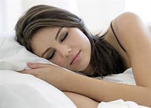 Ύπνος και ομορφιά: 8 συμβουλές για να ξυπνάτε πραγματικά ανανεωμένες