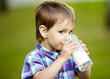 Ελαφρύ ή πλήρες: Τι γάλα να δίνω στο παιδί μου;