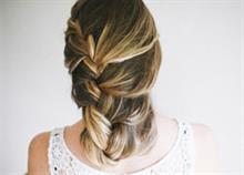 7 υπέροχα χτενίσματα για μακριά μαλλιά που μπορείτε να κάνετε μόνη σας!