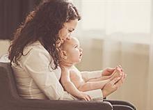 Όσα δεν λέει κανείς για τη μητρότητα