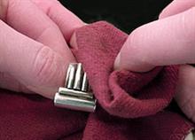 Πώς να καθαρίσετε τα ασημένια σας κοσμήματα