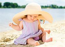 Στη θάλασσα με το μωρό