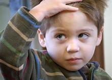 Tι πρέπει να κάνω αν το παιδί μου χτυπήσει το κεφάλι του