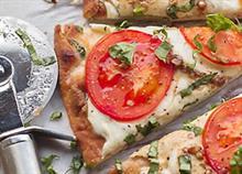 Πώς να φτιάξετε πεντανόστιμα πιτσάκια σε 15 λεπτά