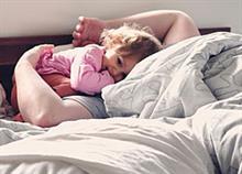 Πώς να μάθετε στο παιδί να κοιμάται μόνο του