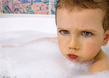 Πόσο συχνά πρέπει να κάνουμε μπάνιο τα παιδιά