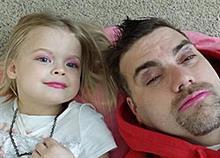 15 μπαμπάδες... τσαλακώνουν τον ανδρισμό τους για χάρη των κοριτσιών τους!