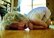 10 εύκολα κόλπα για να ηρεμήσετε ένα παιδί σε υστερία