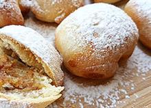 Εύκολη συνταγή για αφράτα, νηστίσιμα μηλοπιτάκια