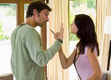 5 ανούσιοι καυγάδες που κάνετε με τον άντρα σας
