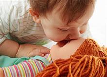 Παιδική σεξουαλικότητα: Πότε αρχίζει και πώς να την διαχειριστείτε