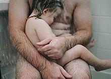 Είναι κακό να μας βλέπει γυμνούς το παιδί;