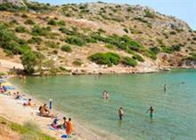 7 παραλίες με άμμο κοντά στην Αθήνα για οικογενειακές βουτιές