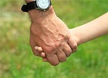 Μπαμπάς ετών 50: Παίζει ρόλο η ηλικία;