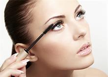 8 έξυπνα προϊόντα μακιγιάζ που κάθε γυναίκα χρειάζεται