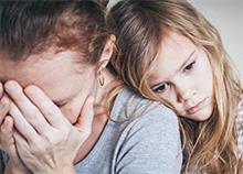 Πώς το δικό μας άγχος καταστρέφει την ψυχολογία των παιδιών