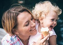 Διπλή εγκυμοσύνη: 10 αλήθειες που θα καταλάβουν μόνο οι μαμάδες με δίδυμα