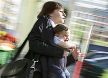 Εργαζόμενη μαμά: 10 λόγοι για να μην έχετε τύψεις