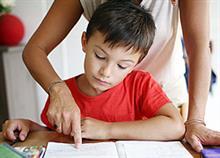 Γονείς «απεργούν» για να μην έχουν τα παιδιά τόσο διάβασμα στο σπίτι!