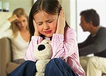 Μια διαλυμένη σχέση βλάπτει τα παιδιά, όχι ένα διαζύγιο!