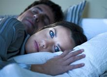 Πώς να διώξετε τις κακές σκέψεις πριν τον ύπνο