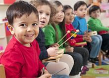 6 δραστηριότητες που θα φέρουν το παιδί πιο κοντά στην τέχνη