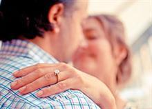 10 ερωτήσεις που θα σου πουν αν είσαι ακόμα ερωτευμένη με τον άντρα σου