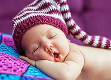 20 μικρά και εύηχα ονόματα για το μωρό σας