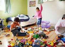 «Μάζεψε το δωμάτιό σου»: Πώς να το κάνεις σε 10 λεπτά