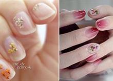 15 τέλεια σχέδια μανικιούρ με λουλούδια