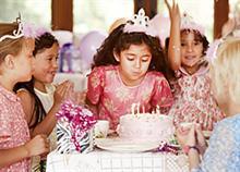 Πάρτι μόνο για κορίτσια: 4 ιδέες που θα τις ξετρελάνουν!