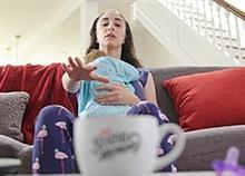 «Κάνε ό,τι χρειαστεί για να μην ξυπνήσει το μωρό»: Μια διαφήμιση βγαλμένη απ' τη ζωή σας