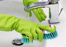 Πώς να κάνετε το μπάνιο ν' αστράψει χωρίς χημικά