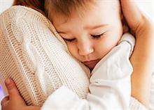 Μαμά-ελικόπτερο: Γιατί κάνουμε την αγάπη μας να πνίγει αντί να στηρίζει