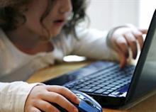 Μ. Σφακιανάκης: «Να μην ανεβάζουμε φωτογραφίες των παιδιών στα κοινωνικά δίκτυα»