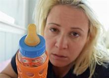 Η καθημερινότητα κάθε νέας μαμάς: Όλη η αλήθεια μέσα σε 2 λεπτά