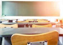 Έναρξη των σχολικών μαθημάτων στις 9 αντί για τις 8.15 εξετάζει το υπ. Παιδείας