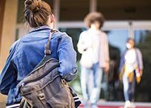 Τι πρέπει να ξέρετε αν το παιδί σας αρχίζει φέτος το Γυμνάσιο