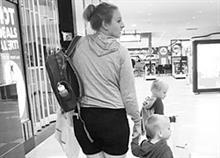 «10 χρόνια μετά, εξακολουθώ να είμαι ερωτευμένος μαζί σου»: Το τρυφερό γράμμα ενός μπαμπά στη γυναίκα του
