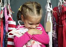 Πρέπει να αφήνουμε τα παιδιά να διαλέγουν τα ρούχα τους;