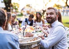 7 γραφικοί τύποι καλεσμένων που συναντάς σε κάθε γάμο